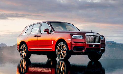 Rolls-Royce Cullinan giá từ 325.000 USD, cạnh tranh Bentley Bentayga