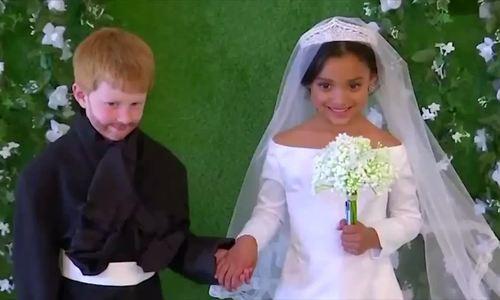 Bộ ảnh cưới của Hoàng tử Harry và Meghan Markle 'nhí'