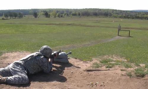 Mỹ đào tạo lính ngắm bắn bằng đầu ruồi vì sợ tác chiến điện tử