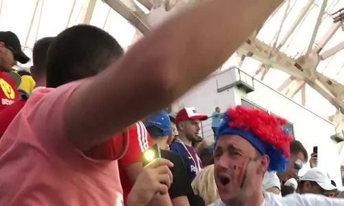 Cổ động viên Nga hát hò sau trận Panama - Bỉ