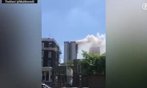 Cháy chung cư 22 tầng ở London