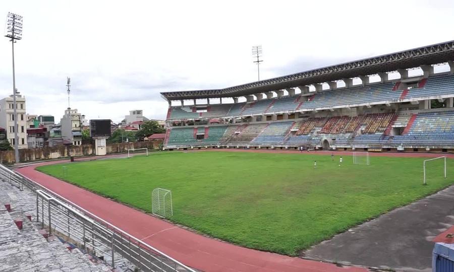 Sân vận động lớn nhất Ninh Bình nhiều năm trong cảnh hoang phế