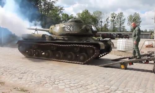 IS-2 - xe tăng gieo kinh hoàng cho phát xít Đức trong Thế chiến II - ảnh 1