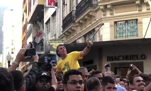 Ứng viên tổng thống Brazil bị đâm dao trong khi tranh cử