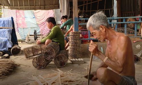 Những làng nghề tấp nập mùa nước nổi