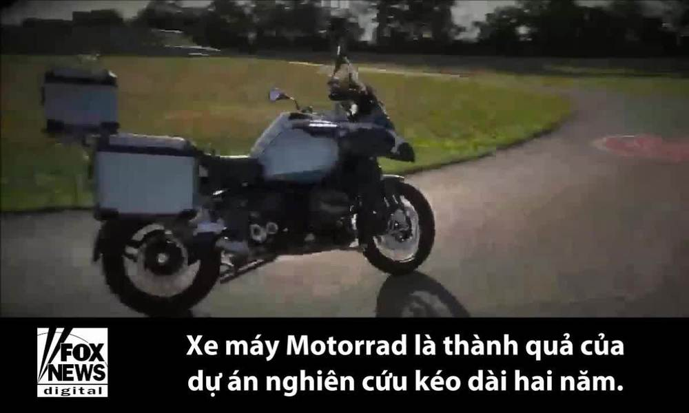 BMW giới thiệu mẫu xe máy tự lái mới