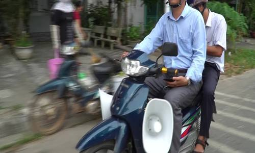 Phát loa kêu gọi tránh bão ở Bình Thuận