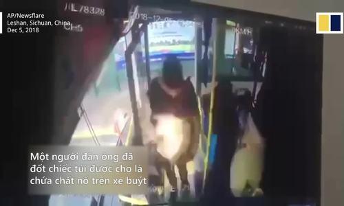 Người đàn ông ném chất nổ lên xe buýt ở Trung Quốc
