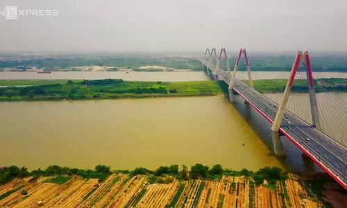 Cầu Nhật Tân nhìn tử trên cao