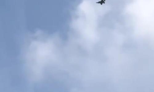 Tiêm kích F-35 Mỹ lần đầu biểu diễn tuyệt kỹ 'lá vàng rơi'