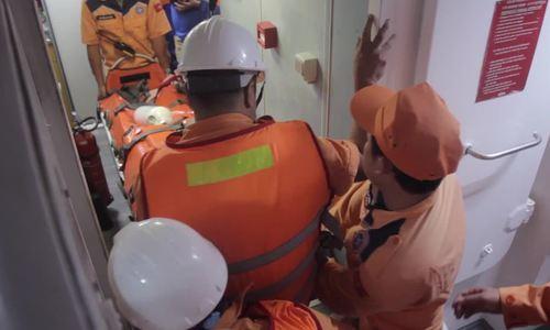 Bốn ngư dân nguy kịch do bị ngạt khí hầm tàu cá ở Vũng Tàu