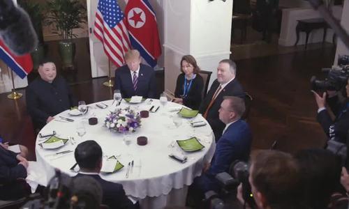 Tổng thống Trump đăng Twitter về 'cuộc gặp và bữa tối tuyệt vời' tại Hà Nội