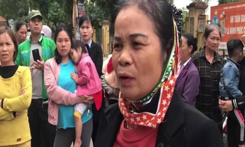 Phụ huynh Bắc Ninh bức xúc vì học sinh phải ăn thực phẩm bẩn