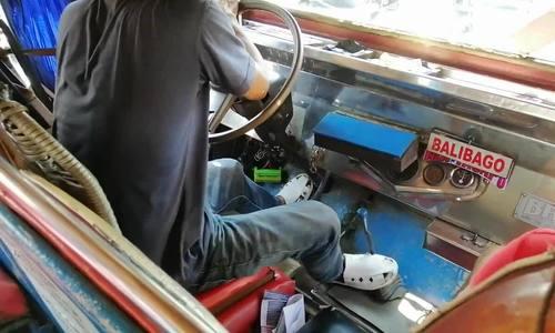 Kỹ năng đá số của tài xế minibus