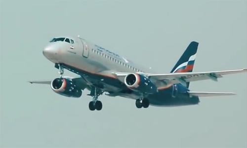 Máy bay chở khách tối tân của Nga Sukhoi Superjet 100