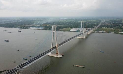 Cầu Vàm Cống bắc qua sông Hậu trước ngày thông xe - ảnh 19