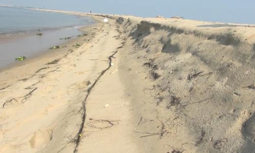 Cồn cát trên biển Cửa Đại thu hẹp - ảnh 3