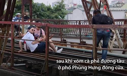 Báo Mỹ: Cầu Long Biên thế chỗ xóm cà phê đường tàu - ảnh 1