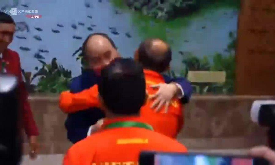 Thủ tướng mừng công U22 Việt Nam