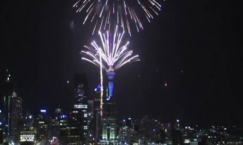 New Zealand bắn pháo hoa