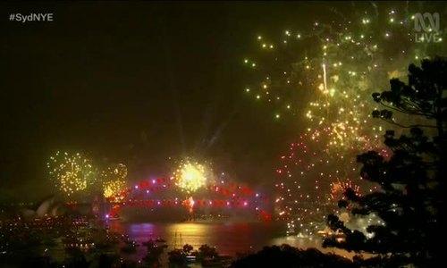 Sydney bắn pháo hoa