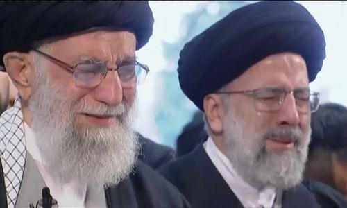 Lãnh tụ tối cao Iran khóc trước quan tài tướng Solemani