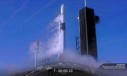 SpaceX hủy phóng vệ tinh vào phút chót do lỗi kỹ thuật