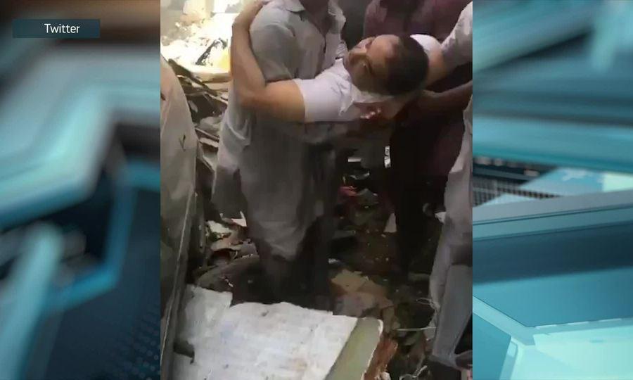 Hành khách sống sót sau vụ tai nạn máy bay ở Pakistan