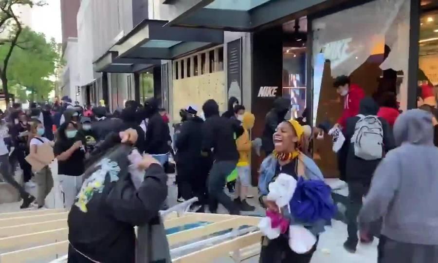 Cướp bóc lan tràn khắp Mỹ