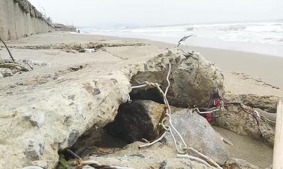 Biển Cửa Lò tan hoang