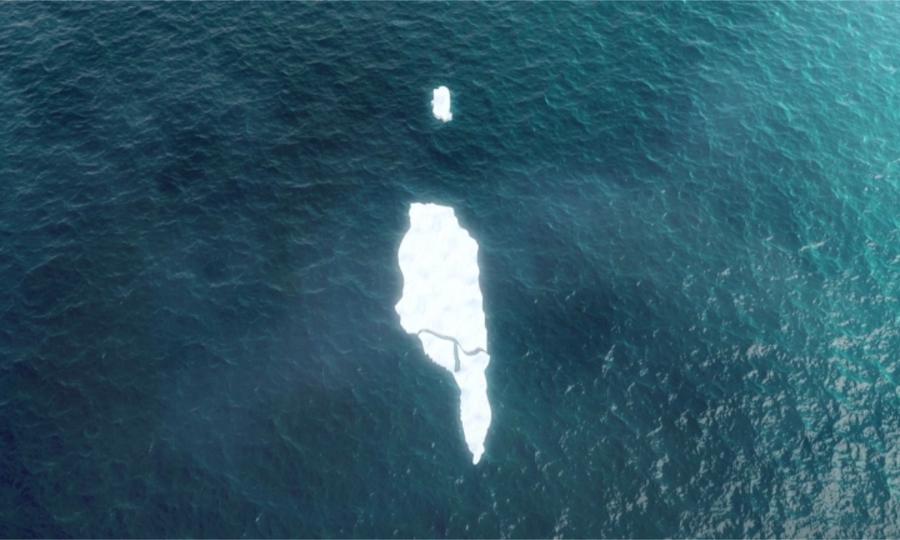 Tảng băng trôi lớn nhất thế giới vỡ thành 4 mảnh