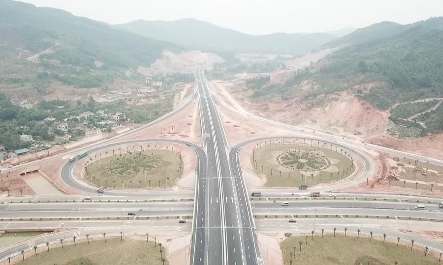Video nút giao 560 tỷ ở Quảng Ninh