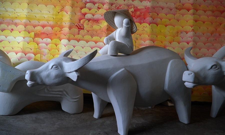 Mô hình linh vật năm trâu sẵn sàng ra đường hoa Nguyễn Huệ