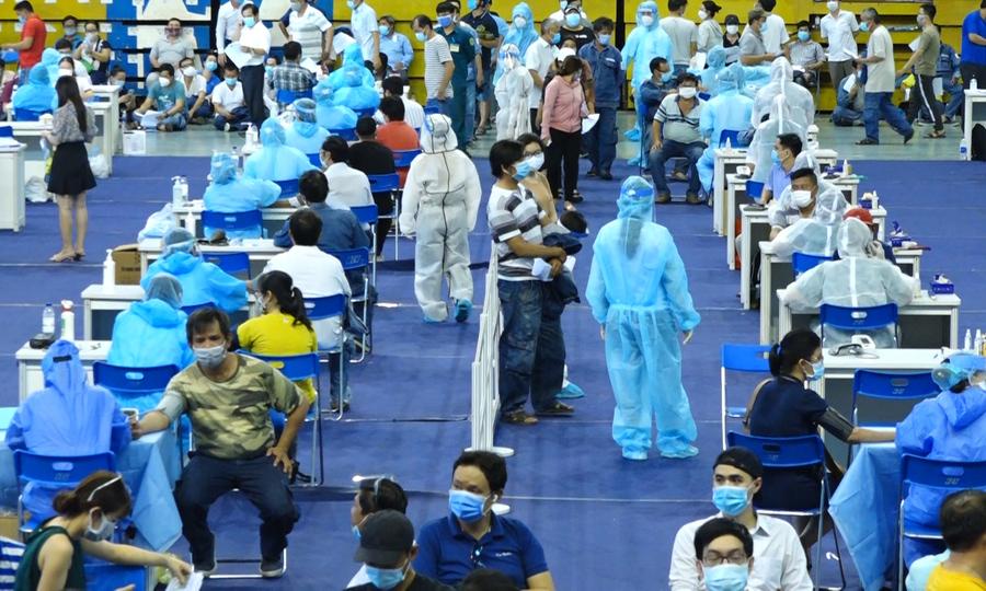 Hơn 9000 người tiêm vaccine tại TP HCM